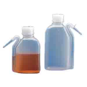Wash Bottle, Squeeze with Integral Molded Dispensing Tip, Screwcap, PE, 500mL, 10/Unit